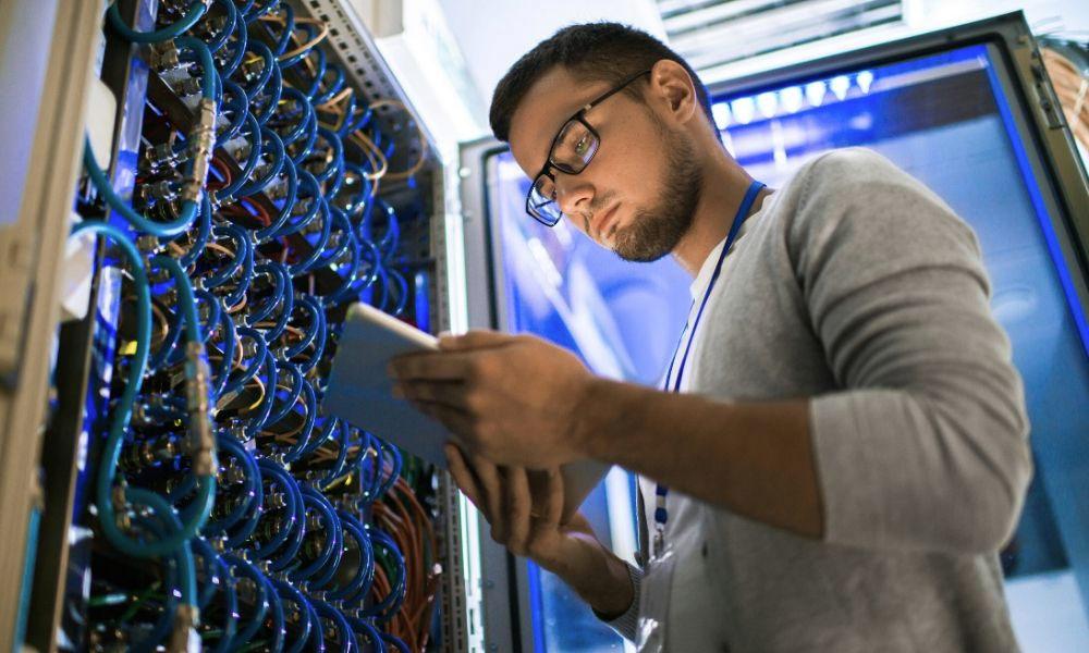 Quản trị mạng máy tính là gì?