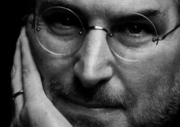 Chưa tốt nghiệp đại học và chẳng viết nổi một dòng code, bí kíp nào đã giúp Steve Jobs ?